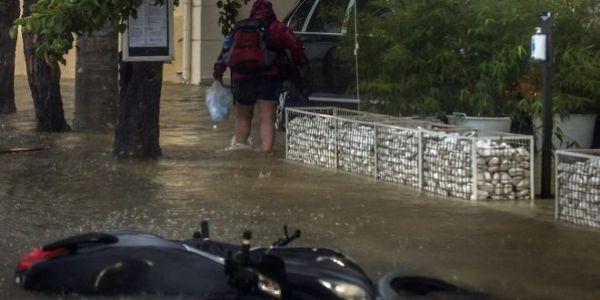 Ιανός: Συνεχίζει την καταστροφική πορεία του - Πληροφορίες για αγνοούμενους
