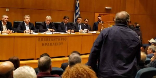 Δέσμη μέτρων για αποζημιώσεις των παραγωγών της Κρήτης, εξήγγειλε ο Μ. Βορίδης