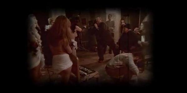 Χορεύοντας με τους Νίκους