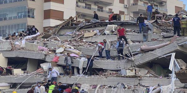12 νεκροί στη Σμύρνη - Πάνω από 400 τραυματίες (Ζωντανή σύνδεση με CNN TÜRK) - Ειδήσεις Pancreta