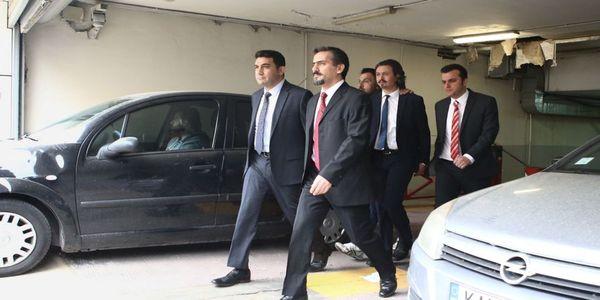 Ελεύθερος με αυστηρούς περιοριστικούς όρους ένας από τους οκτώ Τούρκους στρατιωτικούς