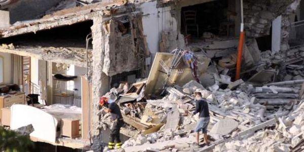 Πρόσφυγες βοηθούν τους σεισμοπαθείς της Ιταλίας - 267 οι νεκροί