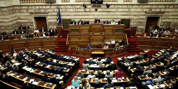 Διορισμοί και προσλήψεις εκπαιδευτικών: Ψηφίστηκε το νομοσχέδιο του υπ. Παιδείας