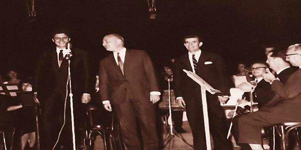 19 Οκτωβρίου 1964 το «Άξιον Εστί» του Μίκη Θεοδωράκη κάνει πρεμιέρα στο θέατρο Ρεξ της Αθήνας - Ειδήσεις Pancreta