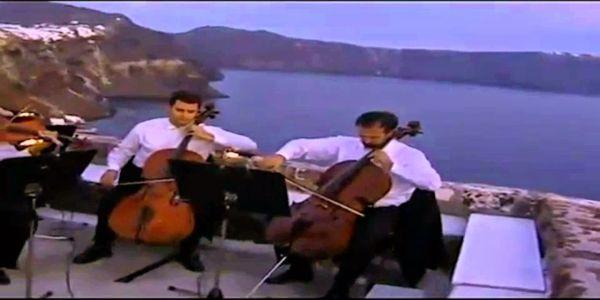Στις 14 Νοεμβρίου του 1989, ο Μάνος Χατζιδάκις ιδρύει την Ορχήστρα των Χρωμάτων - Ειδήσεις Pancreta