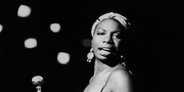 Nina Simone: Η επαναστατική φωνή του 20ού αιώνα - Ειδήσεις Pancreta