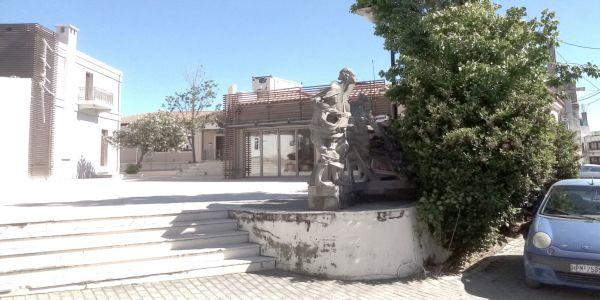 Ο γλύπτης Μανόλης Τζομπανάκης εκφράζει την αντίθεση και αγανάκτηση του για την υποβάθμιση έργου του - Ειδήσεις Pancreta