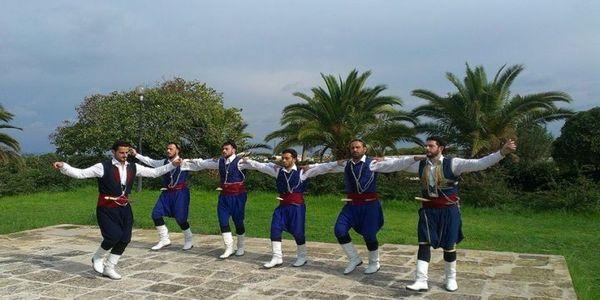 Παράσταση Παραδοσιακών χορών της Σχολής Μαυρόκωστα στο Κηποθέατρο «Ν. Καζαντζάκης» στις 26 Ιουλίου - Ειδήσεις Pancreta
