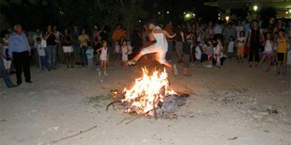Το έθιμο του Κλήδονα στη Κρήτη - Ειδήσεις Pancreta