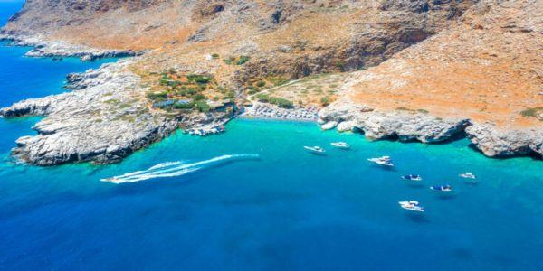 Η μικρή παραλία στην έξοδο του φαραγγιού της Αράδαινας στα Σφακιά - Ειδήσεις Pancreta