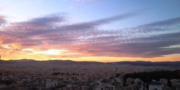 Το υπέροχο ηλιοβασίλεμα της Αθήνας αποτέλεσμα ηλιακής κηλίδας - Ειδήσεις Pancreta