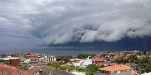 Το θαύμα της φύσης: Τσουνάμι από σύννεφα 'χτυπάει' το Σίδνεϊ - Ειδήσεις Pancreta