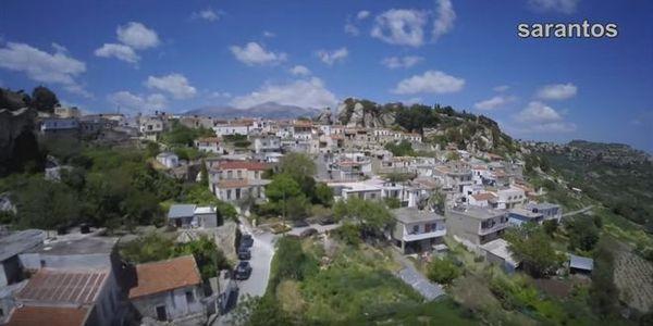 Άγιος Θωμάς: Η λαξευτή πολιτεία που ζει και αναπνέει δίπλα από τα εντυπωσιακά βράχια (video) - Ειδήσεις Pancreta