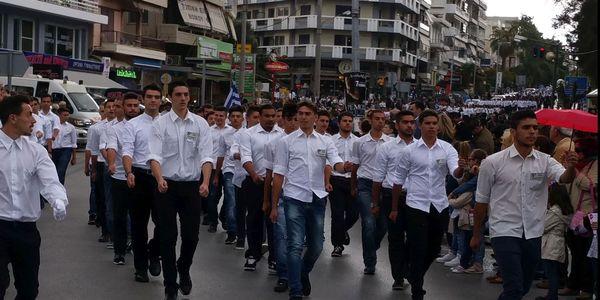 Με λαμπρότητα η παρέλαση για την εθνική επέτειο στο Ηράκλειο - Ειδήσεις Pancreta