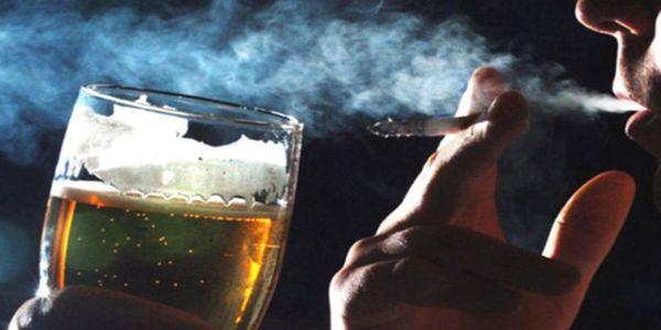 Αλκοόλ και τσιγάρο Το ξεκίνημα των εθισμών