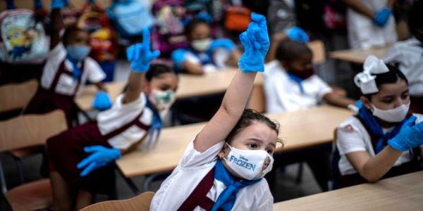 Κορονοϊός: Πώς η μετάδοση από παιδιά και εφήβους οδηγεί ενήλικες στο νοσοκομείο - Ειδήσεις Pancreta