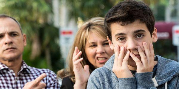 Χειριστικός γονιός: ένας ασυνείδητος συναισθηματικός εκβιαστής - Ειδήσεις Pancreta